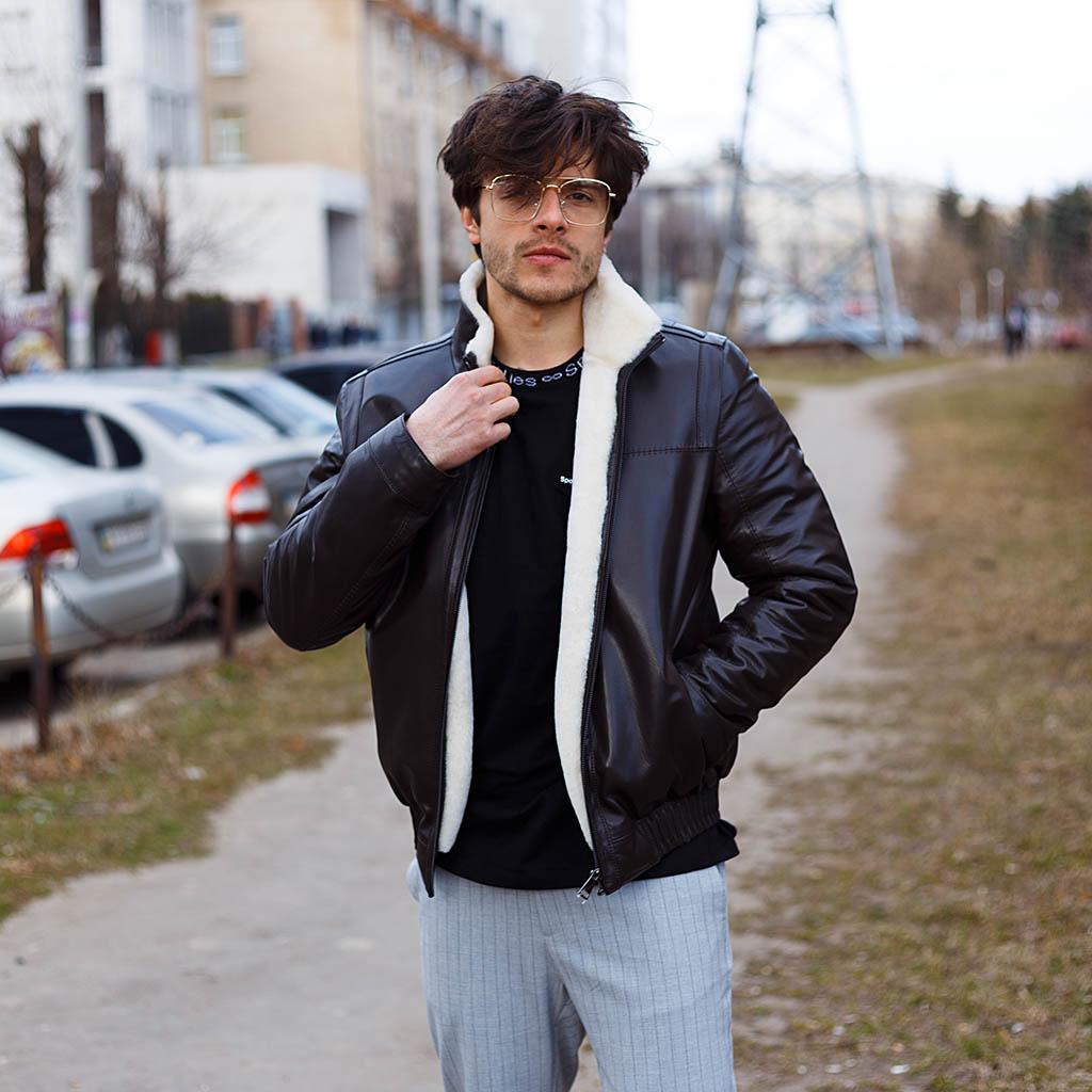 Уход за мужскими кожаными куртками и дубленками