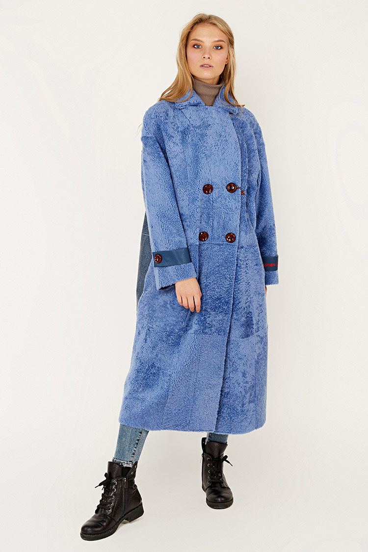 Дубленка женская из кёрли синяя, модель 2026