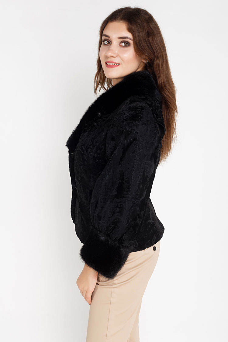 Шуба женская из каракуля черная, модель 2517