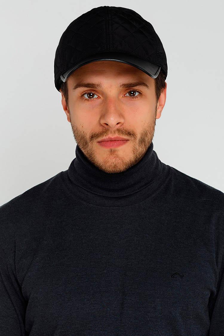 Шапка чоловіча з трикотажу чорна, модель бейсболка/подкладка