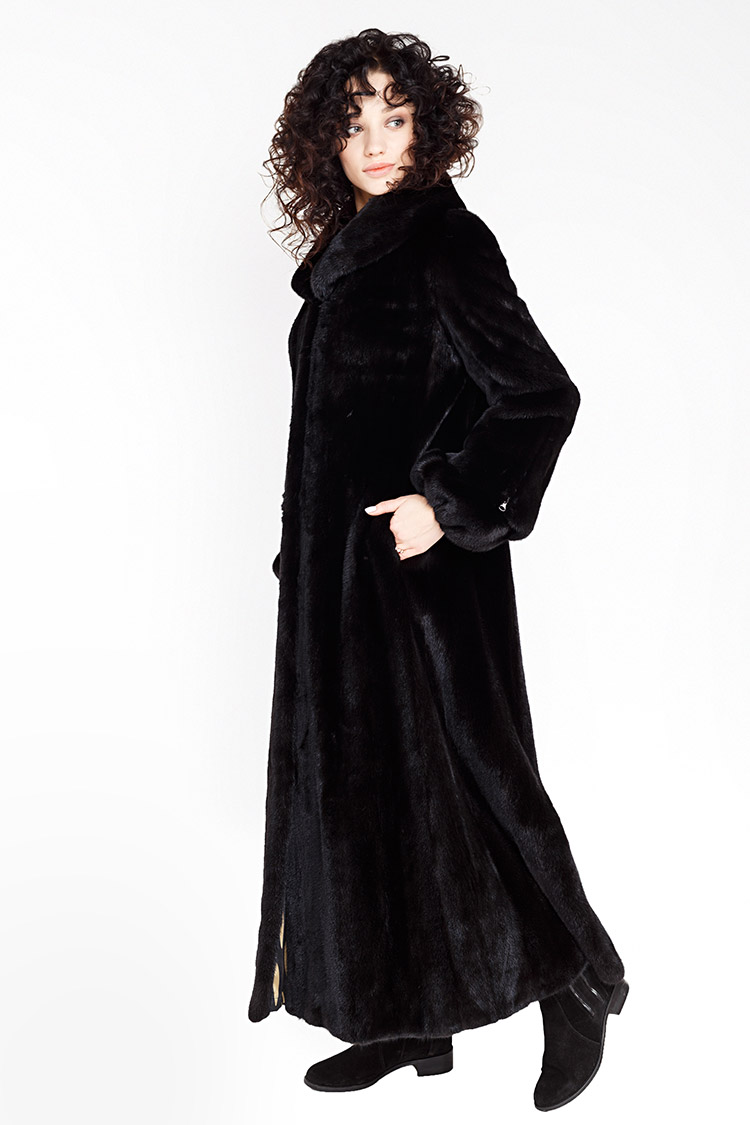 Шуба жiноча з норки чорна, модель 5061/137