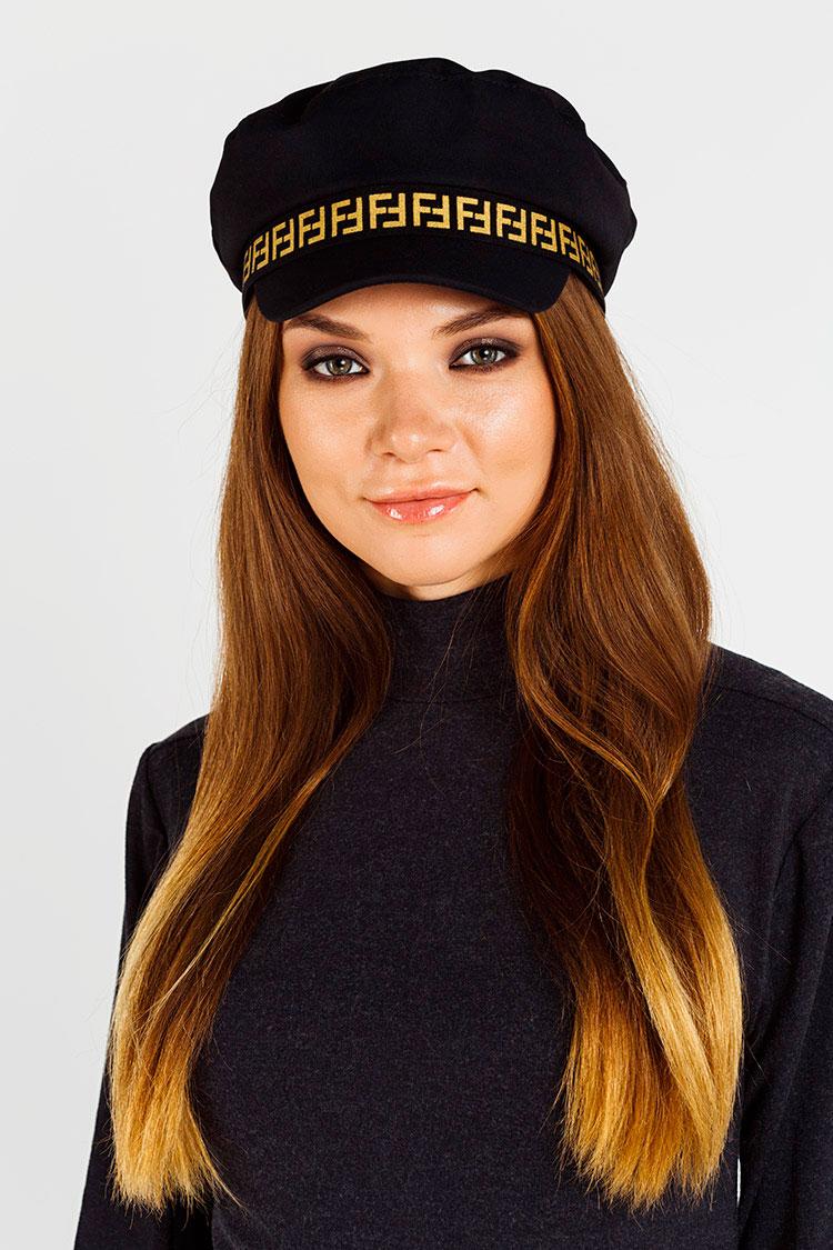 Шапка жiноча з трикотажу чорна, модель кепка/Fendi