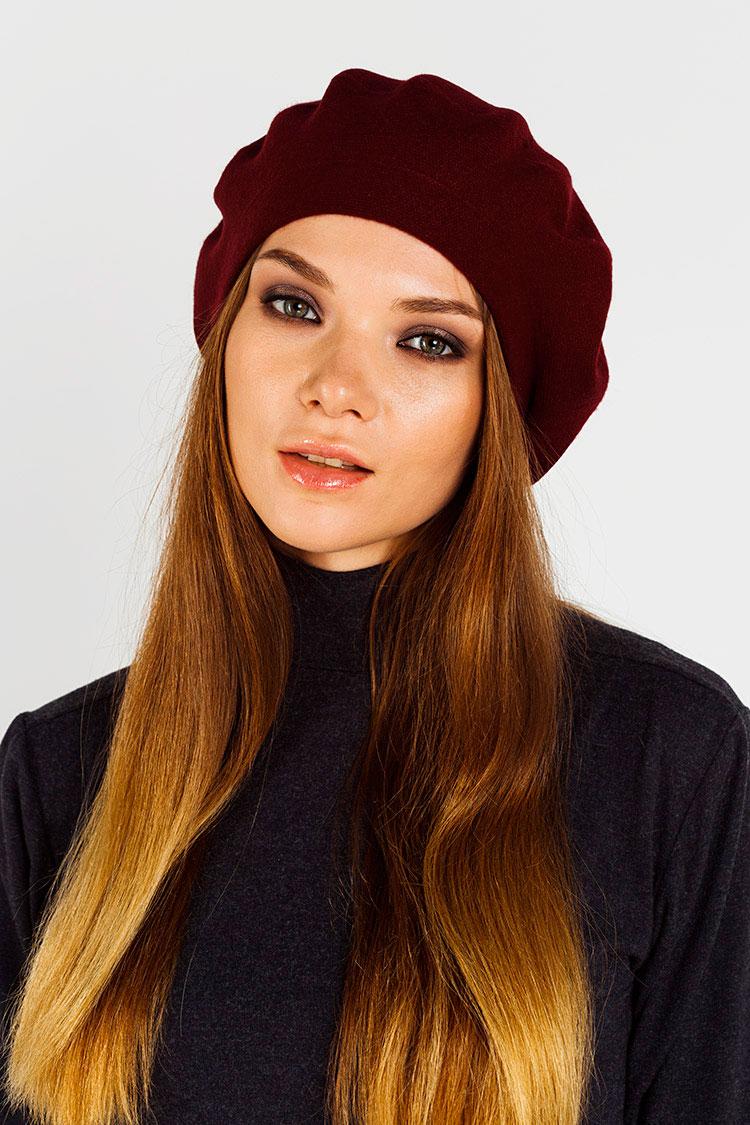 Шапка женская из кашемира красная, модель берет