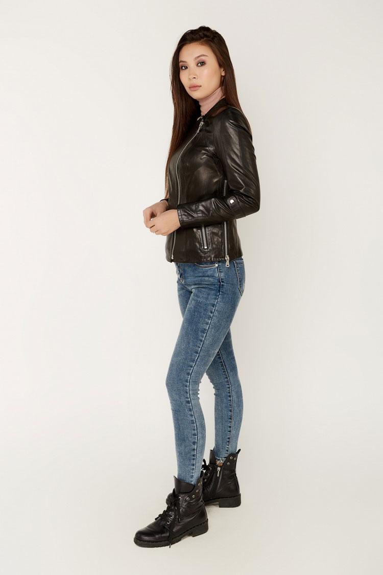 Куртка женская из натуральной кожи черная, модель B-1990