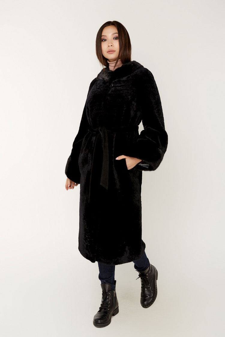 Шуба женская из мутона черная, модель 9033