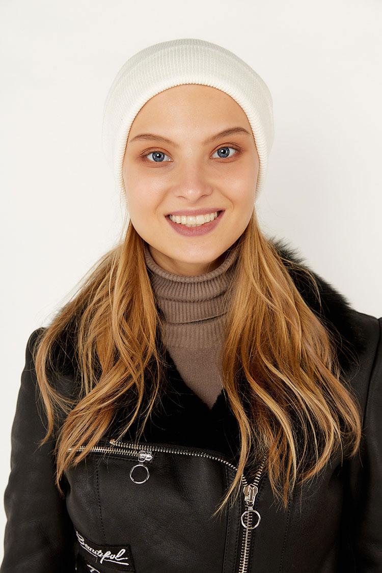 Шапка женская из коттон белая, модель Peri Flip Uni