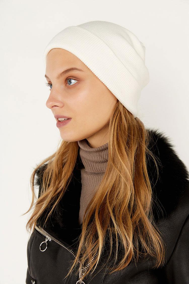 Шапка женская из коттона белая, модель Peri Flip Uni