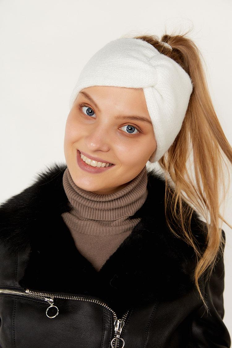 Шапка женская из шерсти белая, модель повязка/бант/SR2001