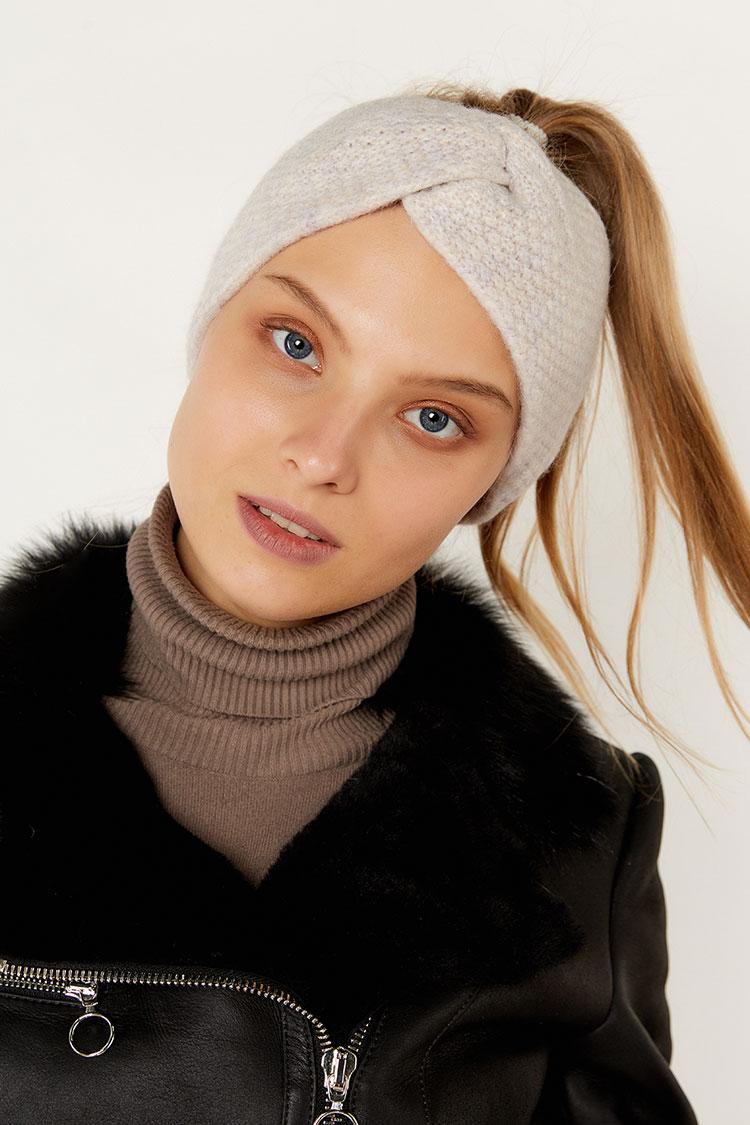 Шапка женская из шерсти серая, модель повязка/бант рис/SR3044